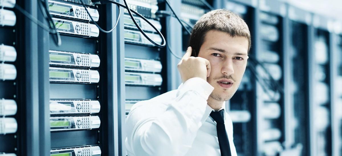 Anpassen des Voice-Menüs von Enterprise Alert